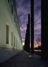 Kunst- und Ausstellungshalle Ostfassade/Straßenseite