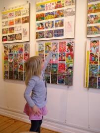 Kunterbunte Kinderkunst im Postkartenformat