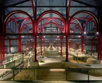 Der Schutzbau über den großen Thermen am LVR-Römer