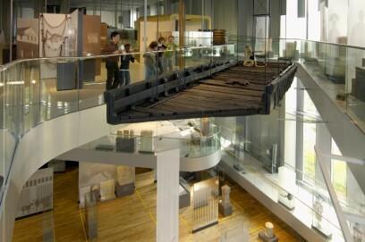 Besonderer Hingucker: Ein schwebendes römisches Sc