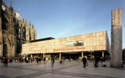 Römisch-Germanisches Museum der Stadt Köln, Außenansicht