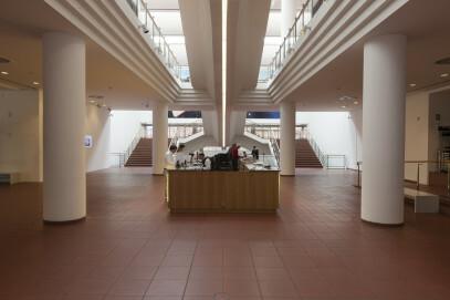 Museum Ludwig, Eingangsbereich