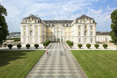 Schloss Augustusburg in Brühl, Ostseite