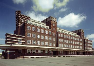 Außenansicht des Peter-Behrens-Baus, der die Sammlung des LVR-Industriemuseums beherbergt