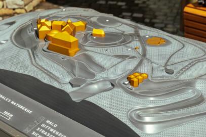 Tastmodell des Petersberg vor dem Besucherzentrum